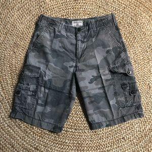Express Camo cargo shorts 30 black gray